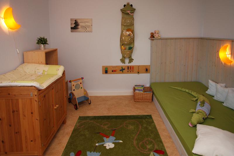 ferienhaus lehnitz ferienhaus oranienburg ferienwohnung lehnitz zimmer kinderfreundlich. Black Bedroom Furniture Sets. Home Design Ideas